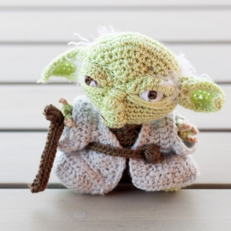 Amigurumi Meister Yoda : Bunny with a Carrot. Taken from Knitted Rabbits by Val ...